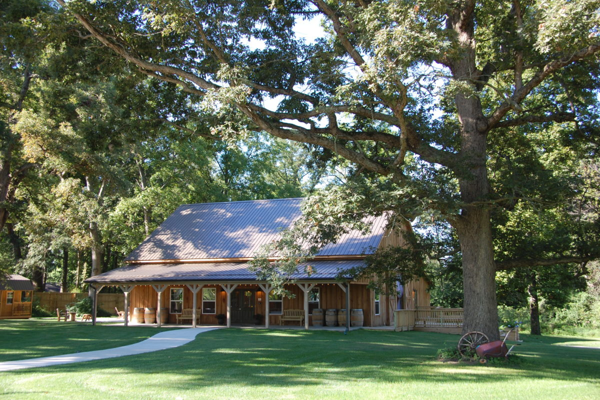 Barn wedding venue The Barn at Hawks Point in Anderson, Indiana