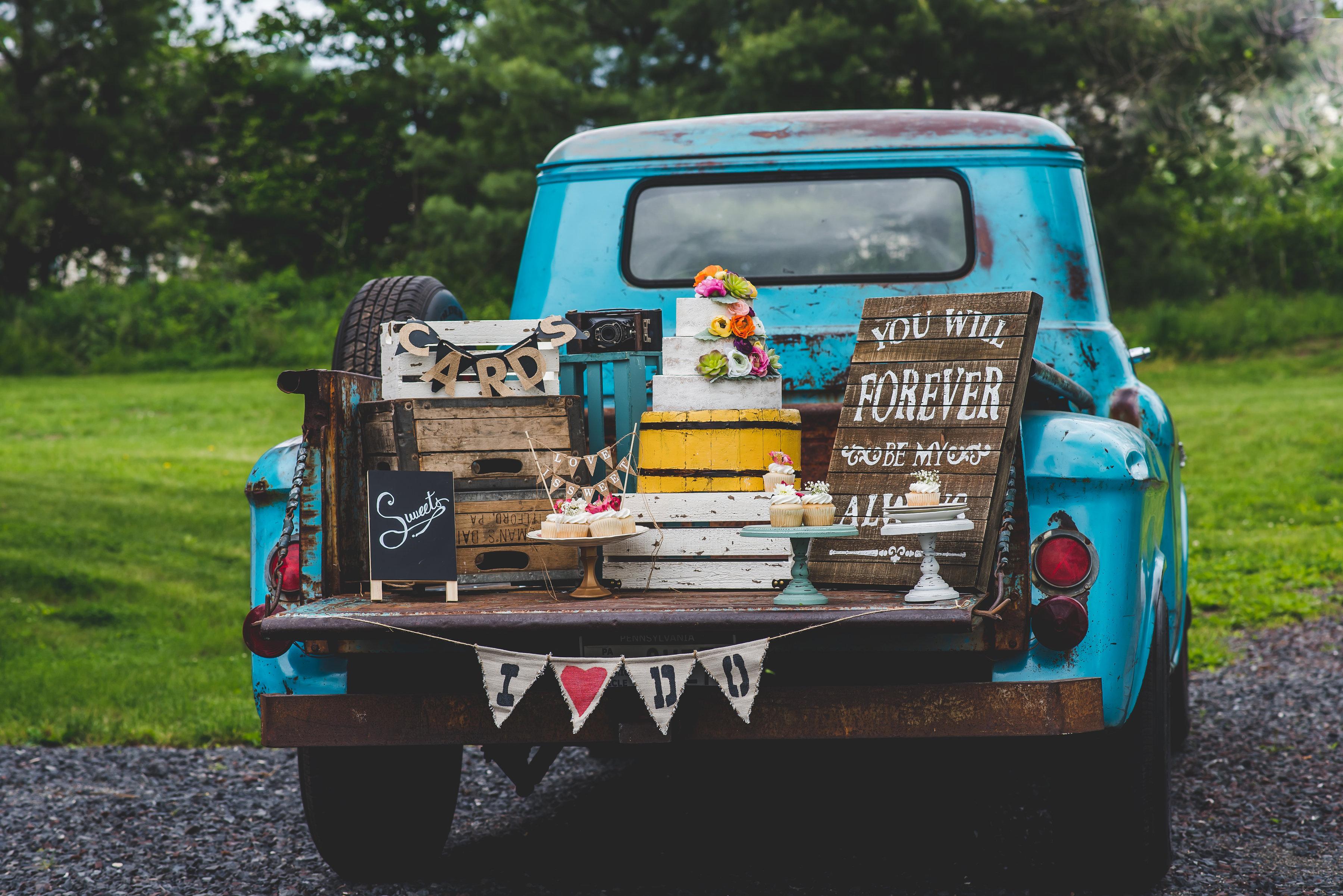 MOYO - Rustic Wedding Venues in PA - Rustic Bride
