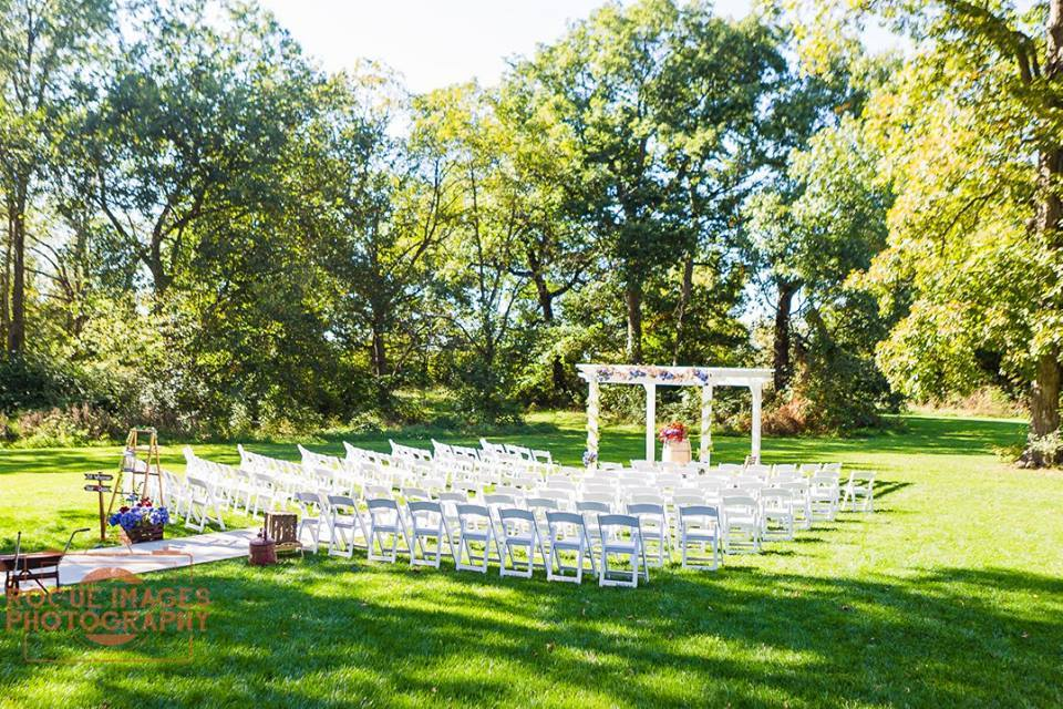 Rustic Wedding Ceremony At Indianapolis Barn Venue The Hawks Point