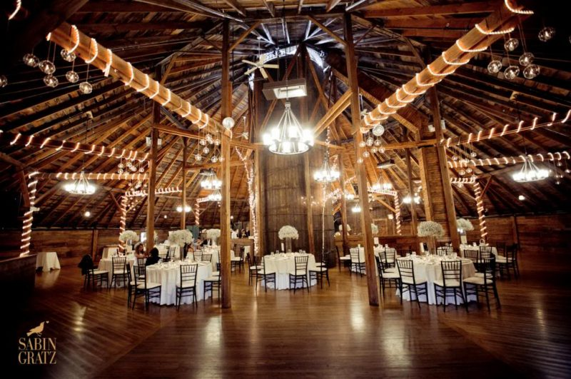 Seriously Beautiful Barn Wedding Photos That Will Have You ...