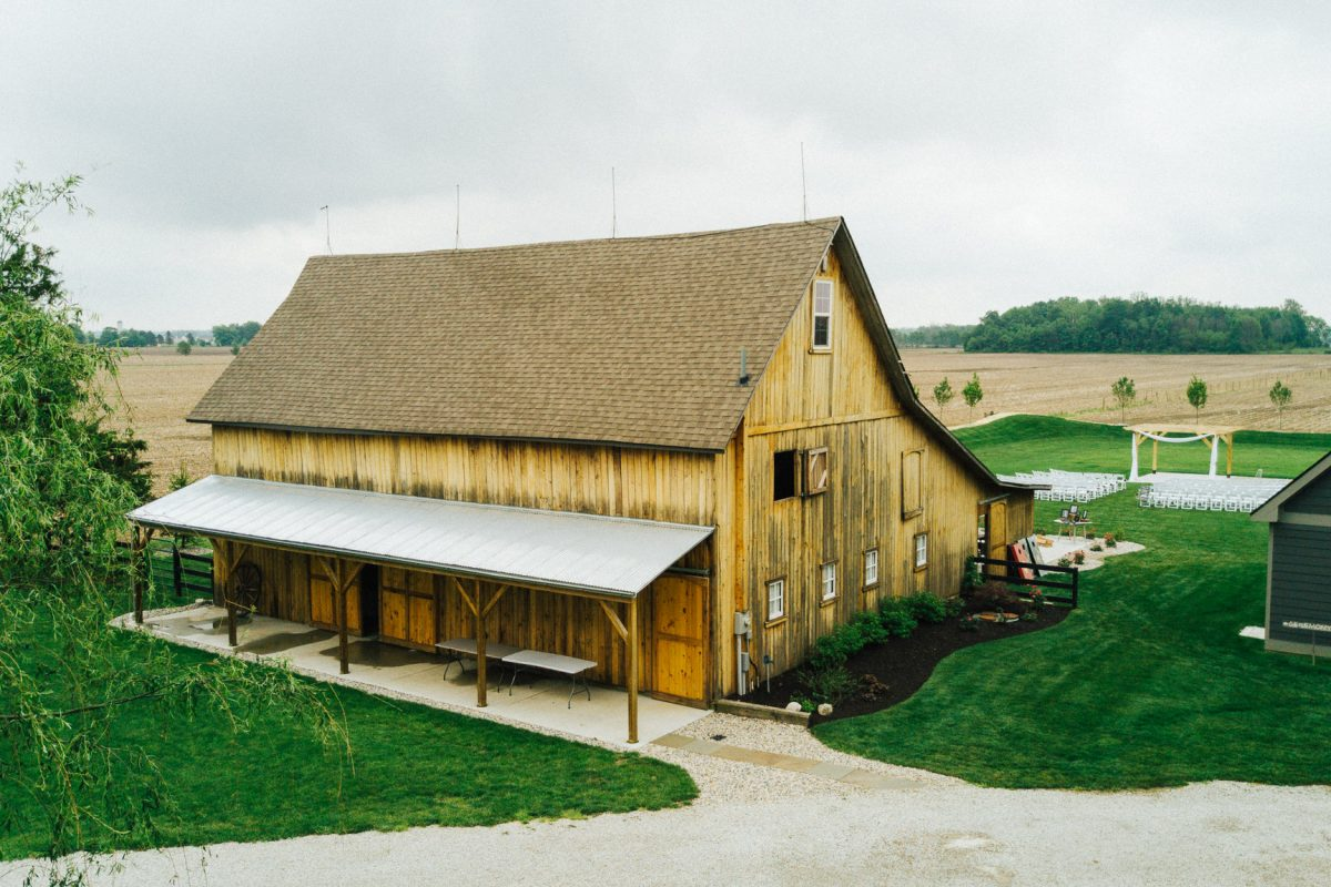 This 1800s Dairy Barn Turned Wedding Venue In Indiana Is
