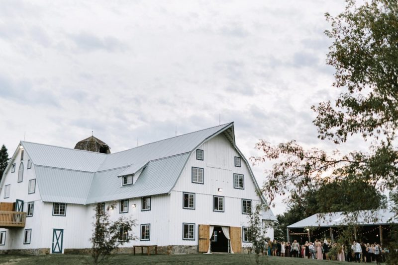48 Charmingly Historic, Must-See Barn Wedding Venues from ...