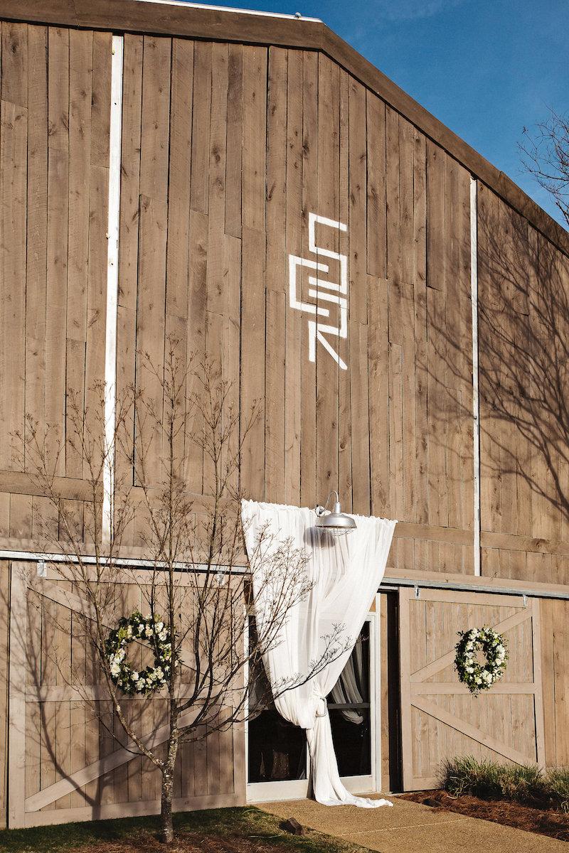 Barn wedding venue Spring Creek Ranch in Tennessee